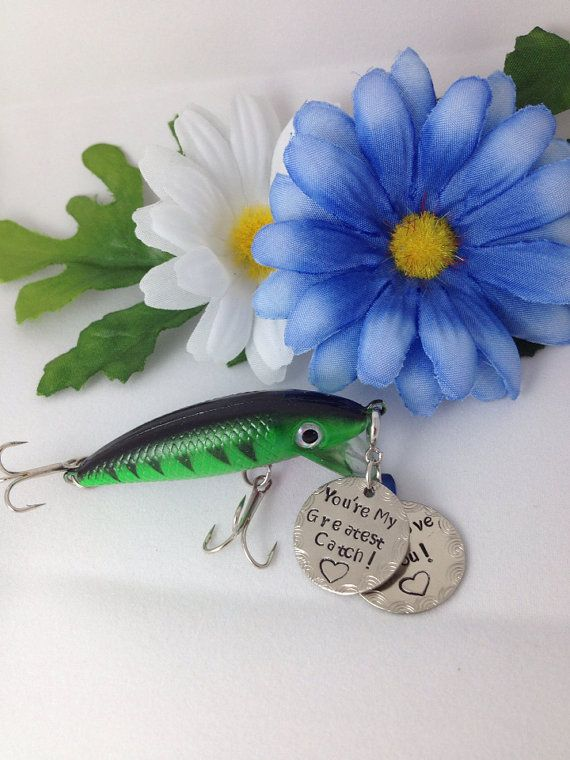 55 best father 39 s day wedding and birthday gifts for the for Funny fishing lures