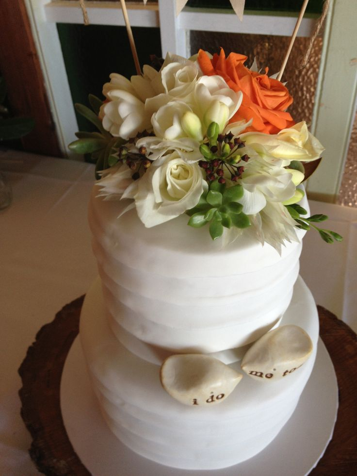 flowers by www.beautiflora.com at Figtree cake Sweet obsessions