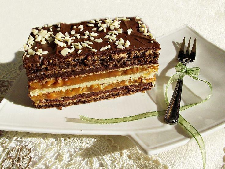 Prajitura+cu+blat+de+nuca,+foi+de+napolitana+si+caramel