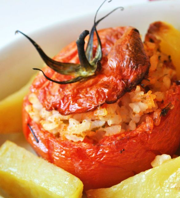 A summer dish, quick and easy; typical by #Lazio #Italy will fill you up without weigh you down. Delicious! #Tomatoes stuffed with #rice