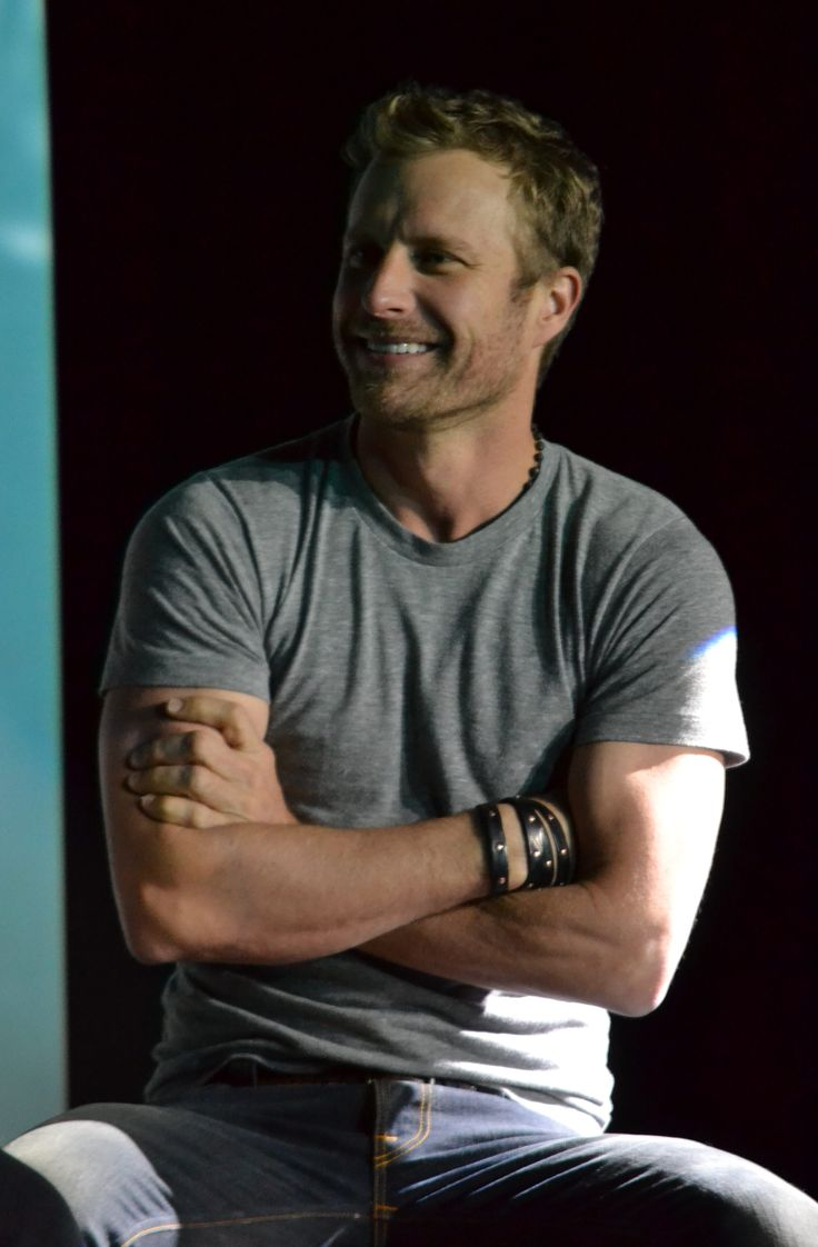 Dierks Bentley: A Q&A About Life, Death, and Picking Singles ...