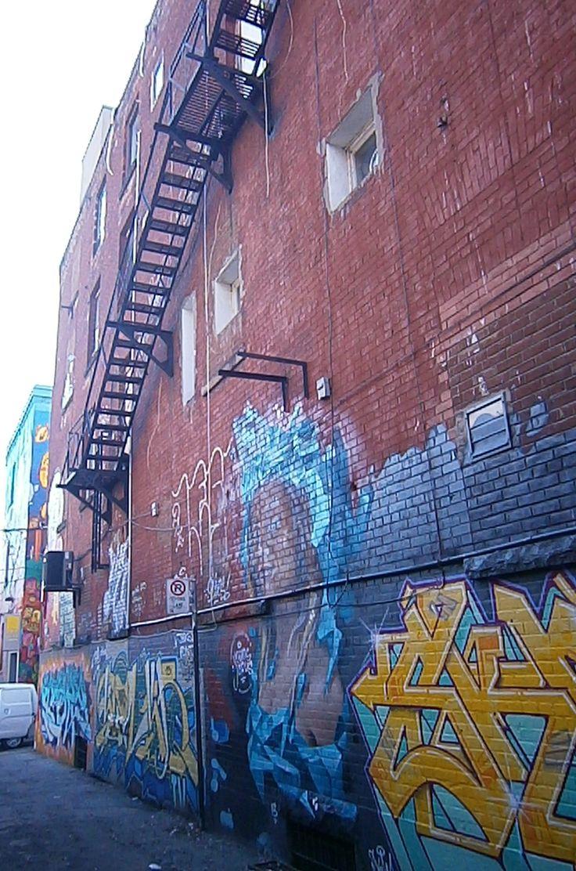 Toronto downtown graffiti http://babybirdguide.com/guide-to-toronto/