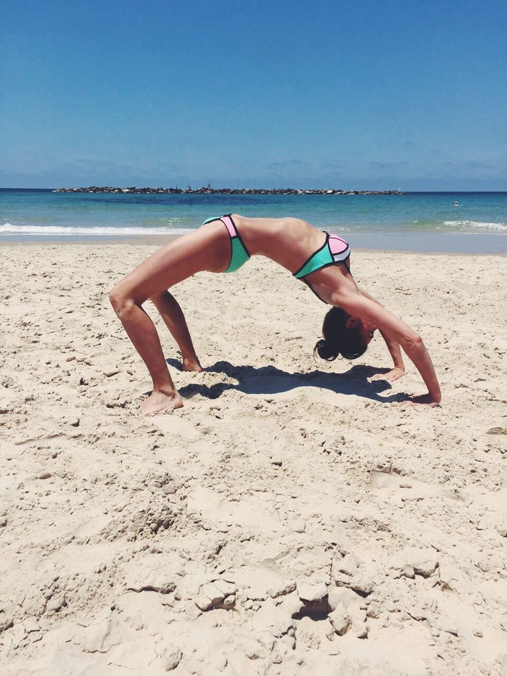 israel, yoga, yogi, tel aviv, sun, sunscreen, tromborg, protection, beach, plam, yoga, bikini, triangle, australia