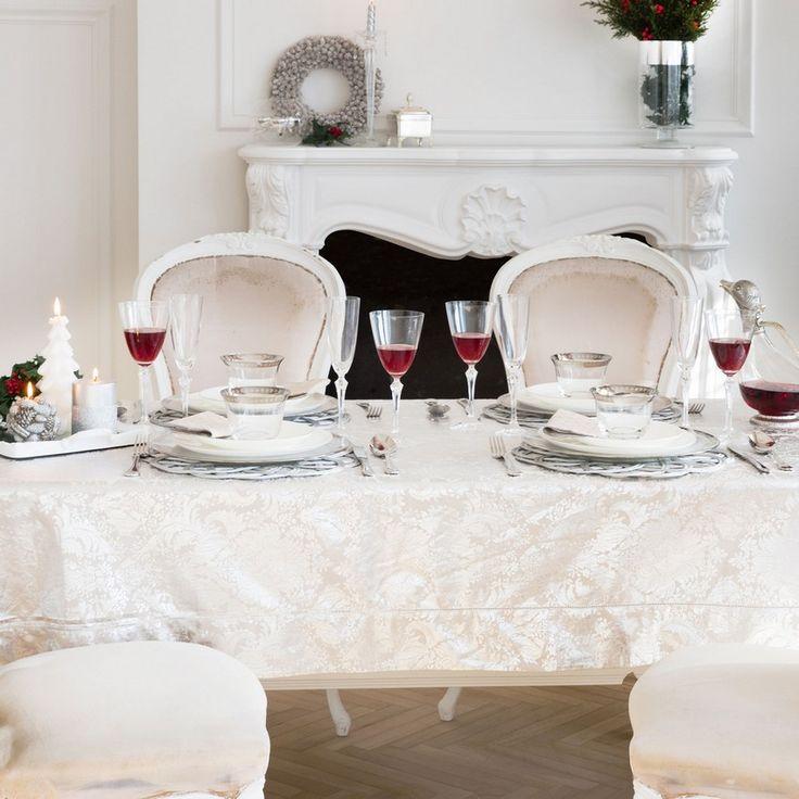 les 25 meilleures id es de la cat gorie nappe blanche sur pinterest nappe d 39 or bougie d. Black Bedroom Furniture Sets. Home Design Ideas