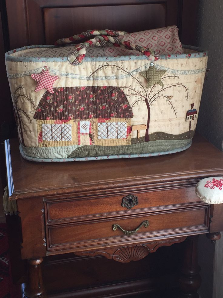 Pilar Tobella: What a nice bag with a quilt!