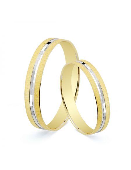 ALIANZA TALLADA. 3.5 MM. 1.90 GRS. Alianza de boda en oro bicolor mate en los laterales y brillo en el centro con oro blanco