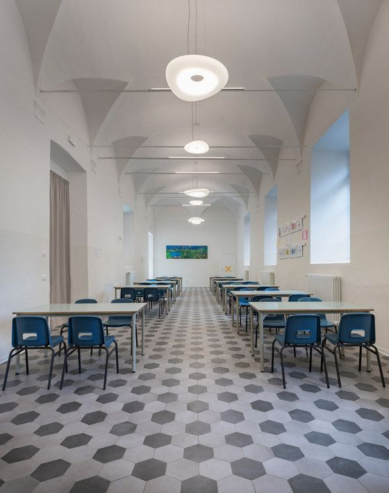 A project involving historical architecture, practical aspects and the best use of space The school is situated in the former Augustinian convent of Santa..