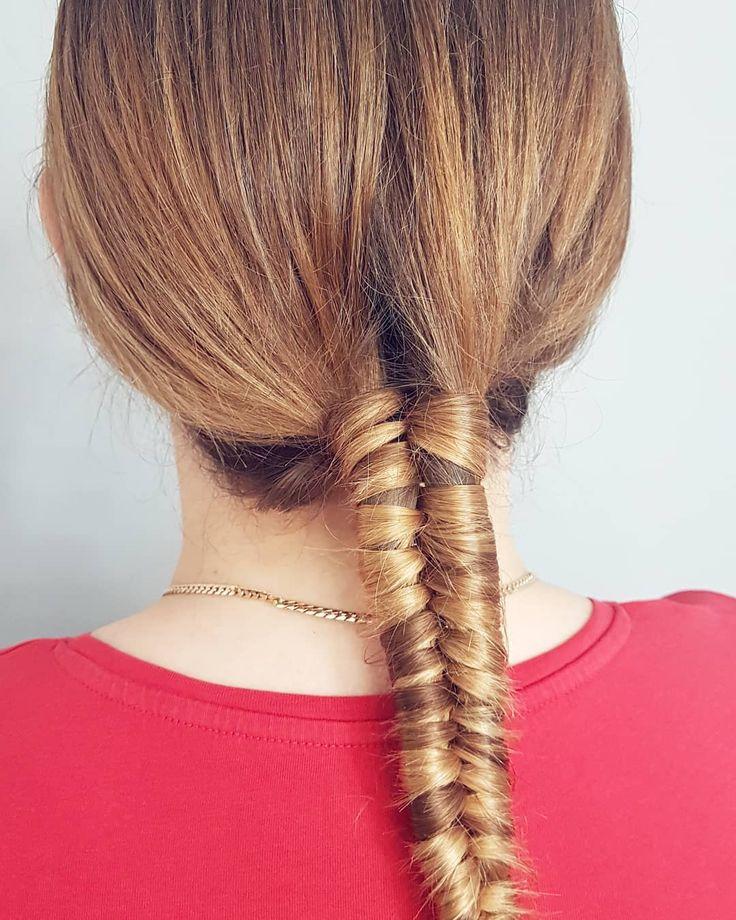 Szybki warkocz u @pasekmakeupartist w przerwie biznesowej burzy mózgów  Infinity braid  A w grupie fb trwa wyzwanie 30 dni w dopuszczonych włosach!  Dolączajcie! Link w bio  . . . #hairbyme #hairbyjul #hair #hairstyle #hairfashion #hairstyles #hairart #hotd #braids #hairideas #hairoftheday #hairofinstagram #instahair #hairofig #instabraids #longhair #polishgirl #girl #blonde #model #hairart #ilovemyjob #hairblog #hairblogger