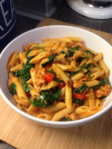 Vicki-Kitchen: Tasty smoky sausage pasta (Slimming World friendly...