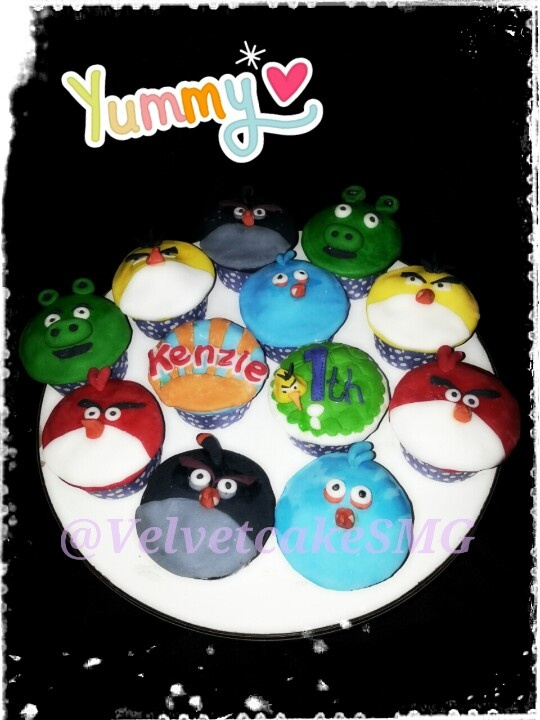 2D Angry bird cupcakes by @VelvetcakeSMG / www.semarangkitchen.com