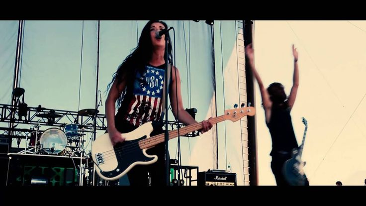 Children 18:3 - Live at Sonshine Festival (Watch Lee Marie's stage presence)
