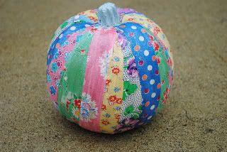 This #pumpkin craft is so colorful! Love #DIY fabric pumpkins!Fabrics Pumpkin, Halloween Fabrics Scrap, Mod Podge, Patchwork Pumpkin, Halloween Pumpkin, Halloween Crafts, Podge Fabrics, Aprons String, Fabric Scraps