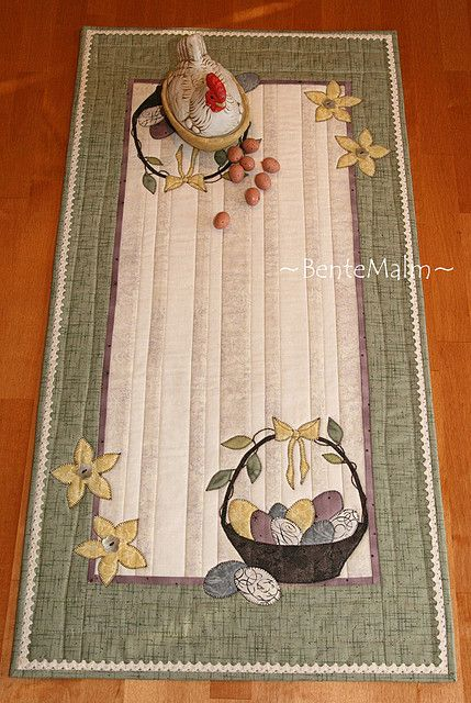 53 best easter images on pinterest table runners quilt table easter basket by kaktus quilts negle Choice Image