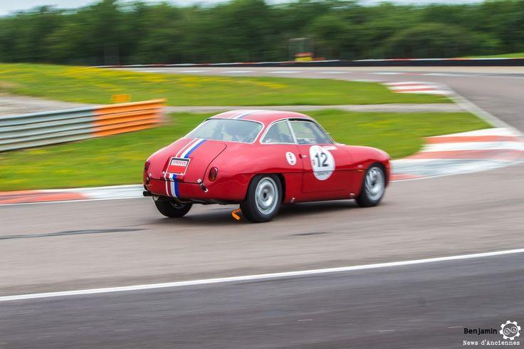 #Alfa_Romeo #Giulietta #SZ au Grand Prix de l'Age d'Or. #MoteuràSouvenirs Reportage complet : http://newsdanciennes.com/2016/06/06/jolis-plateaux-beau-succes-grand-prix-de-lage-dor-2016/ #ClassicCar #VintageCar