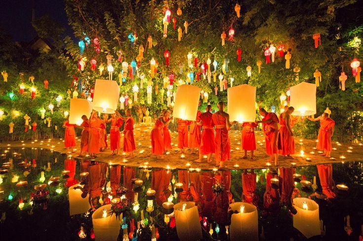 Ceremony- Loi Krathong (Festival of Lights), Thailand
