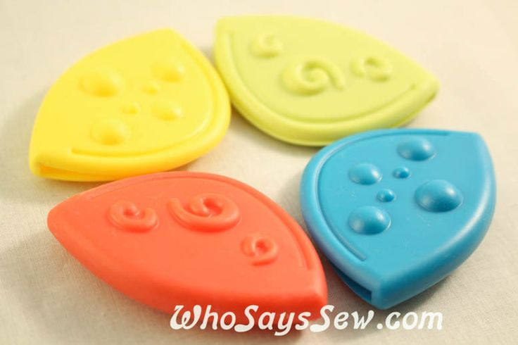 4 Curved Sew-On Teething Corners in 4 Colours - Who Says Sew