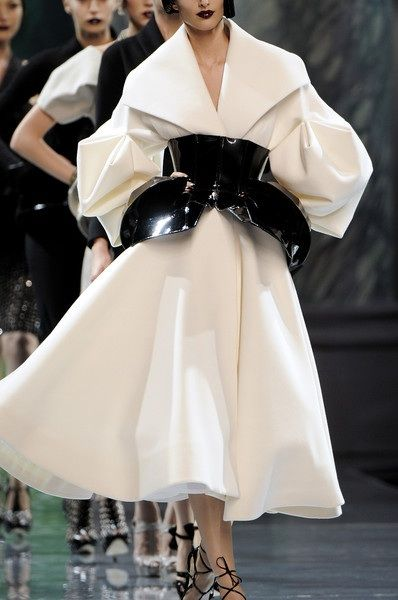 Christian Dior, Fall 2008 - One of the most exquisite Dior Collections EVER. #Galiano - not sure if those are 'cuffs' or what - but other than those pretty