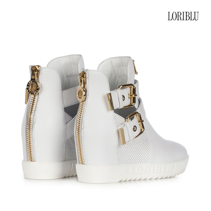 White wedge deer leather sneaker, for your very original seasonal look, glam and comfortable.