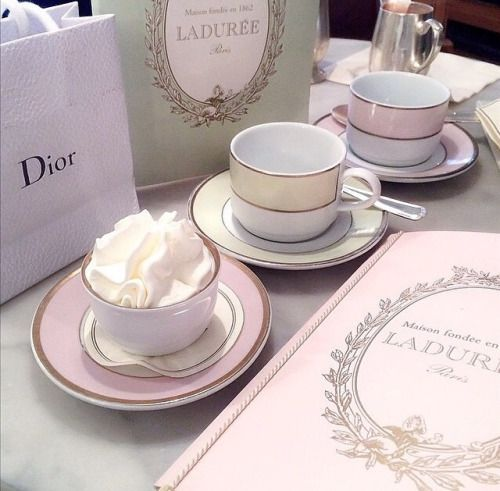 Laduree sweets and coffee in Paris. & 14 best 法国-Christian Dior images on Pinterest | Dinner ware ...