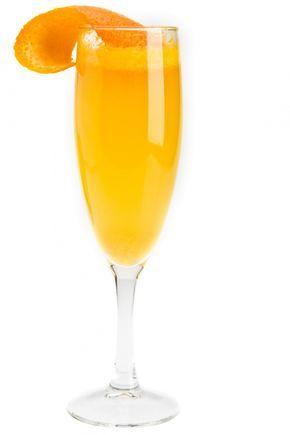 Mimosa cocktail, ricetta cocktail con succo d'arancia e Champagne. Coppetta