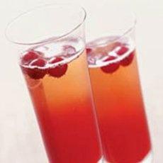 Crimson Spice Champagne Cocktail