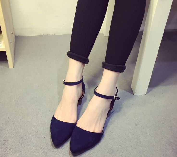 high quality! Korean version of the simple air side buckle suede low heel mouth pointed shoes, free shipping!