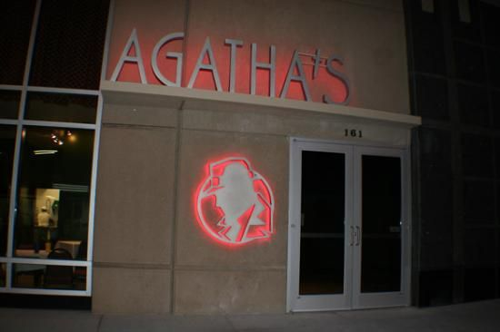 Agatha's Mystery Theater - the play takes place around you in between courses!