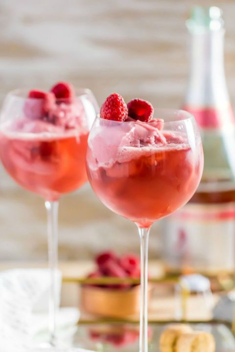15 Scrumptious Valentine S Day Drinks To Sip With Your Sweetheart