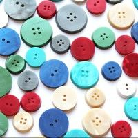 Galalith buttons by @ButtonMakerbcn to play football buttons. #traditional table #game. Photography by @HandmadePressHP