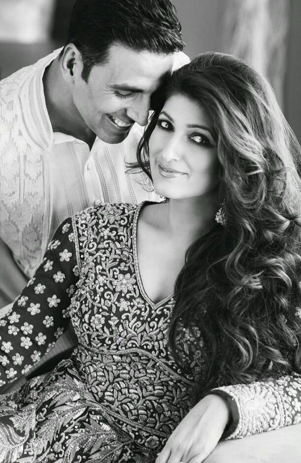 """Akshay Kumar and Twinkle Khanna - One of the most """"in love"""" couples of Bollywood."""