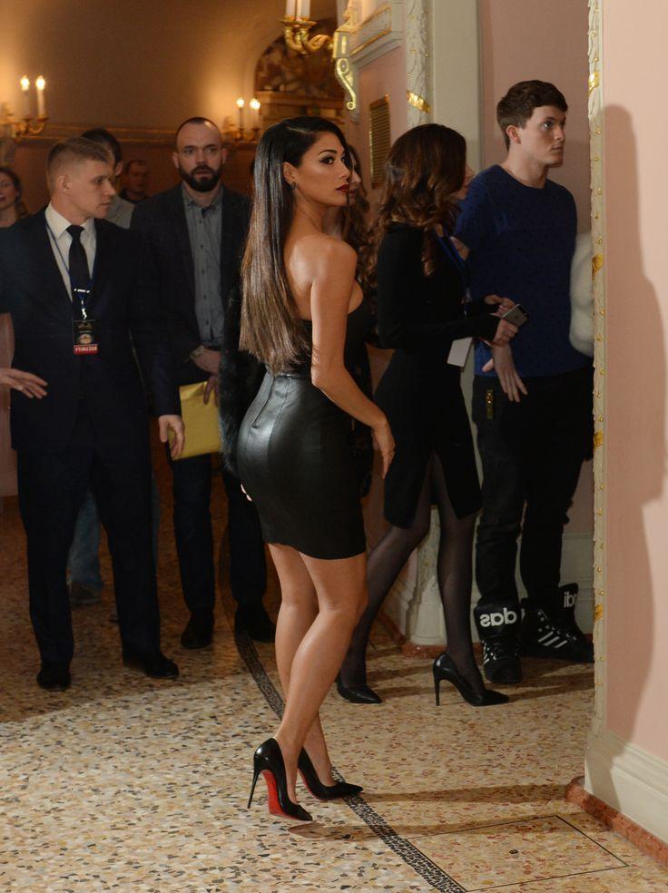 Nicole scherzinger black dress alan carr