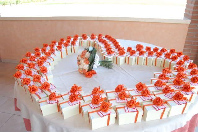 tavolo per il cesto bomboniere matrimonio -