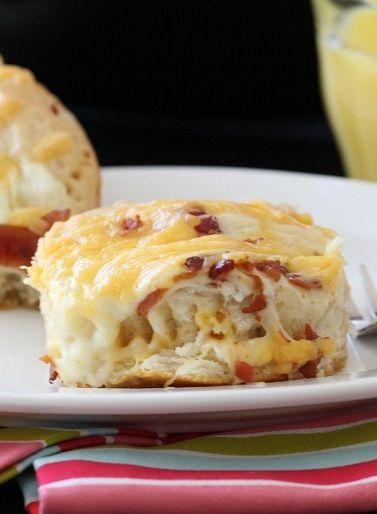 """""""Easy"""" Cheesy Bacon Biscuit Pull-Aparts - Picky Palate"""
