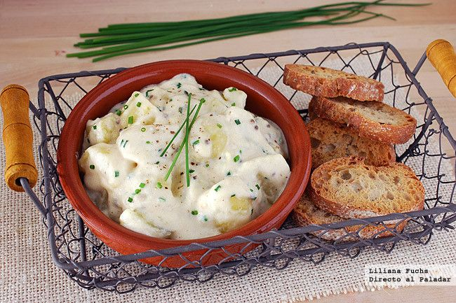 Patatas en salsa cremosa de cebollino y mostaza. Receta de guarnición