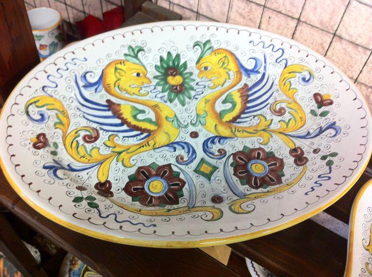 Un vassoio ovale di 35 x 45 cm, in stile Raffaellesco euro 100.00