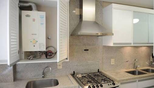 Área de serviço (armário aquecedor)