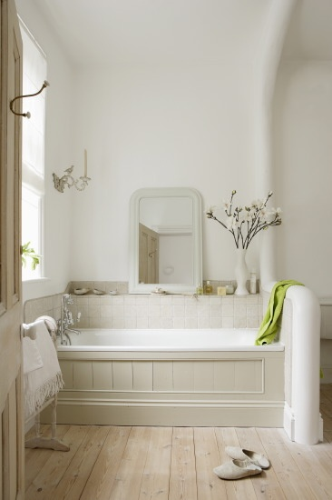 French grey bathroom. Love this colour, love the panelled bath and mirror