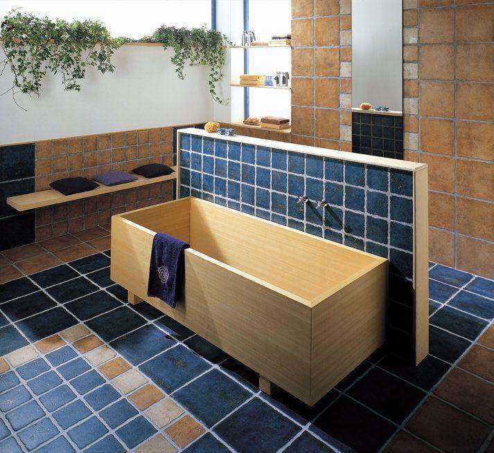 Kyrah obklady modrá a béžová / wall and floor tiling in bathroom