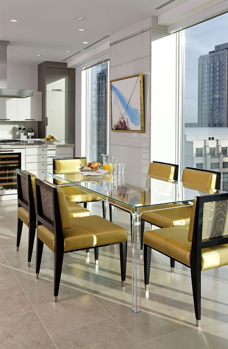 Sun filled winter days! Dining warmth #douglasdesignstudio #jeffreydouglasstudioline #modernelegance #bespoke #condoliving #condolife #cityliving #downtownliving #luxuryliving #luxury #luxuryrealestate