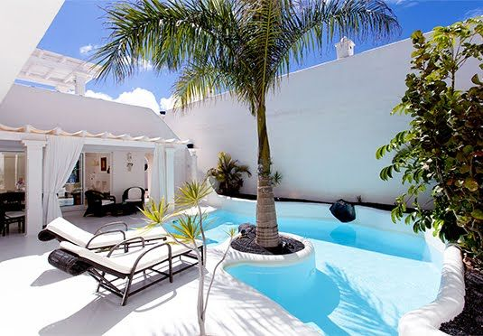 Seven-night holiday in a luxury villa in Fuerteventura, including private pool, breakfast, flights and private transfers