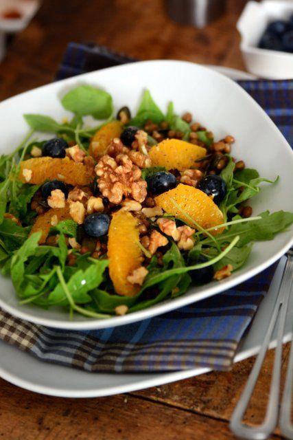 #permangiareinsalute: Insalate di lenticchie con rucola, arancia, noci e mirtilli: un pieno di Omega3