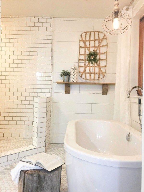 25 best shiplap master bathroom ideas on pinterest for Farmhouse bathroom tile design ideas