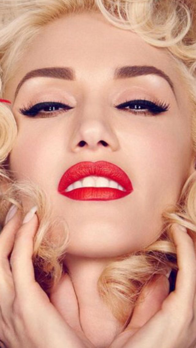 Gwen Stefani...Another gorgeous Italian woman