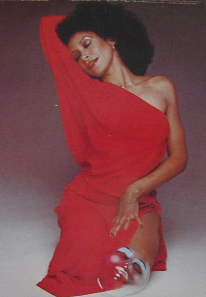 Freda Payne | Freda Payne | Freda payne, Shoulder dress ...