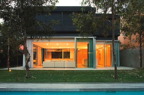 Szirtes House in Australia by Chenchow Little Architects