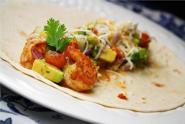 Chipotle Shrimp Tacos with Avacado Salsa...Hello? It's shrimp and ...
