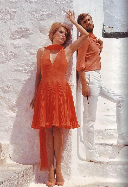 """""""Τόσα καλοκαίρια..."""" Μαίρη Χρονοπούλου, Λάκης Κομνηνός στην ταινία του Γιάννη Δαλιανίδη """"ΓΟΡΓΟΝΕΣ ΚΑΙ ΜΑΓΚΕΣ"""" σε δικό του σενάριο, 1968"""