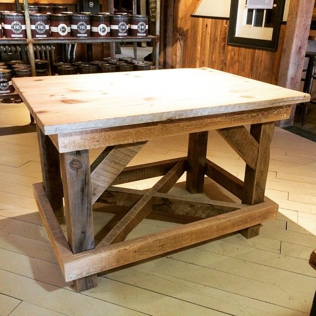 This beautiful softwood planter's table is made with reclaimed Yellow Pine and Hemlock. This piece could be the focal point of any room in the house! #reclaimed #interiordesign #rusticdesign #woodworking