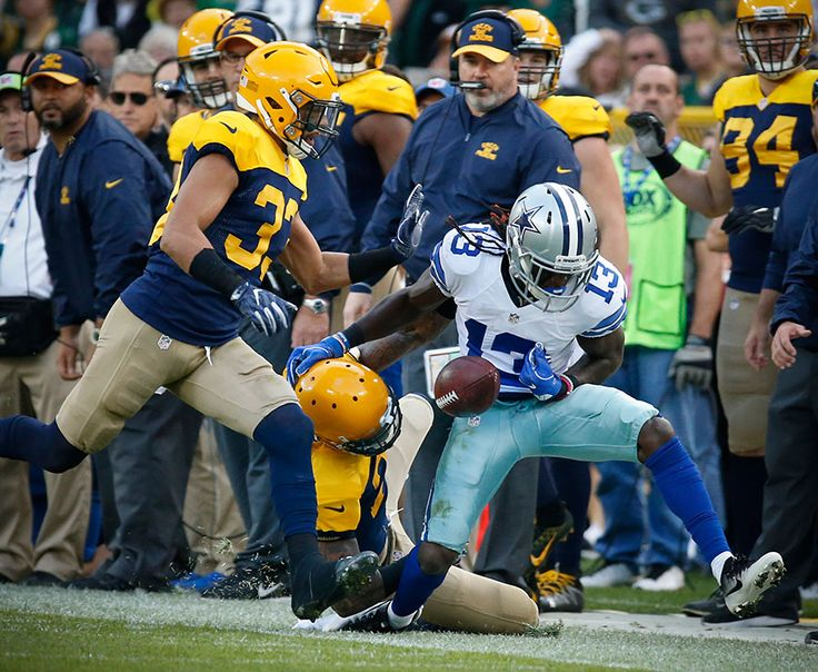 Cowboys vs. Packers:     October 16, 2016   -  30-16, Cowboys  -       Dallas Cowboys wide receiver Lucky Whitehead looses the ball as he goes out of bounds.