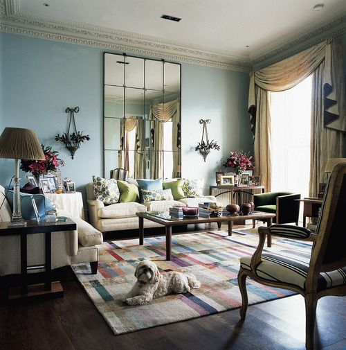 Nina Campbell - I love this room, especially the rug!